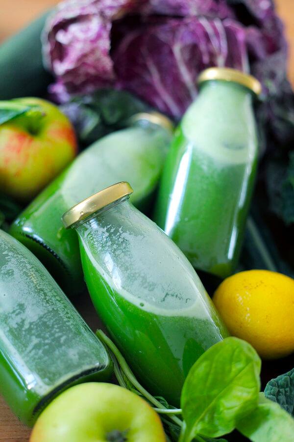 Alkalizing green super juice